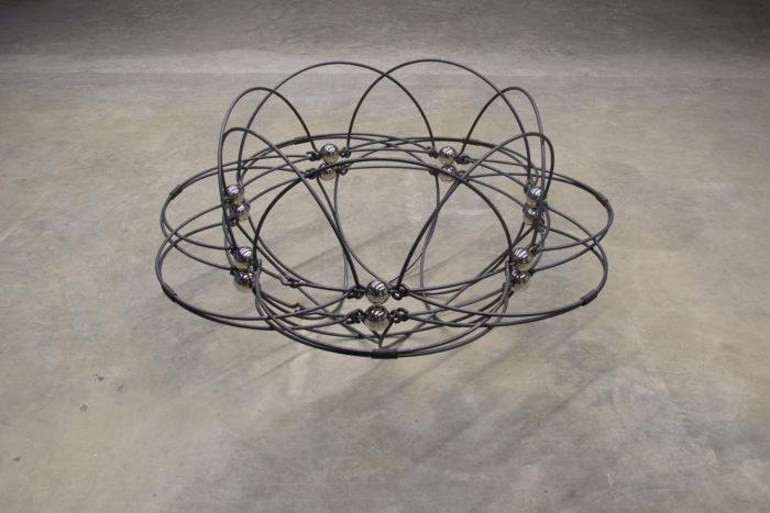 Younès Rahmoun, Darra, installation faite de fils de fer, arts contemporains au Maroc