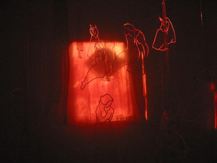 Ulrike Weiss, chambre de fille, vue de l'installation au Cube - independent art room, Rabat, Maroc