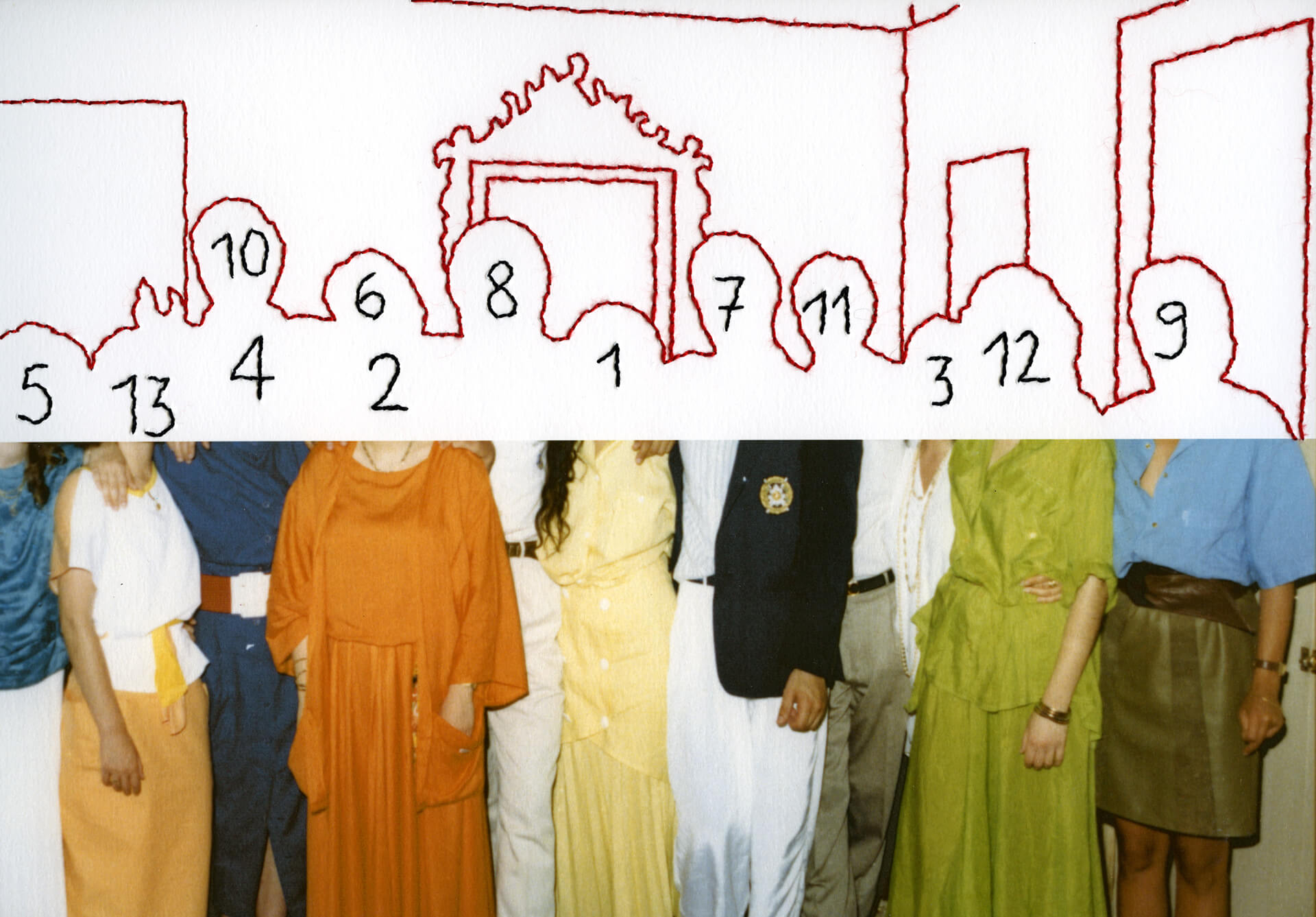 "Carolle Benitah, ""Photos souvenir"", photo de groupe, photographie couleur et broderie au fil, arts contemporains au Maroc"