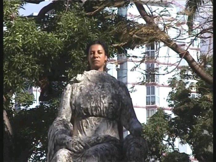 myriam mihindou, vidéo performance, collectif 212 exposition au Cube - independent art room à Rabat, arts contemporains au Maroc