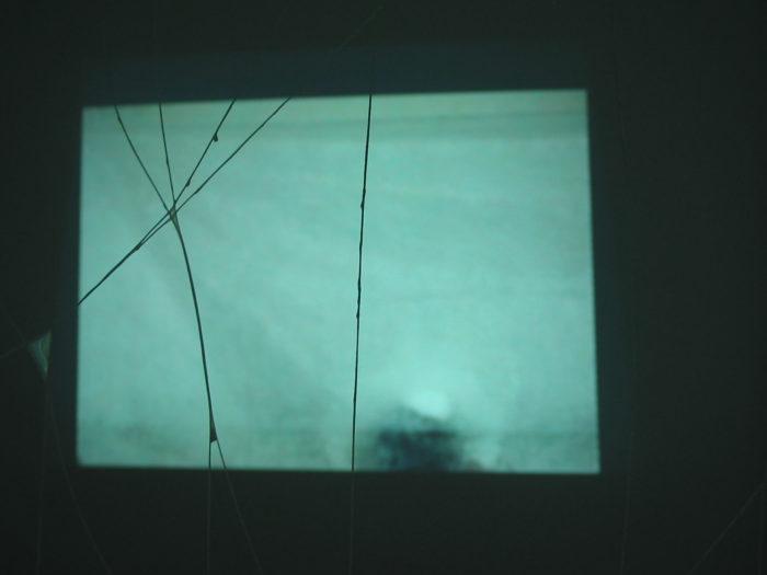jamila lamrani, installation vidéo, collectif 212 exposition au Cube - independent art room à Rabat, arts contemporains au Maroc
