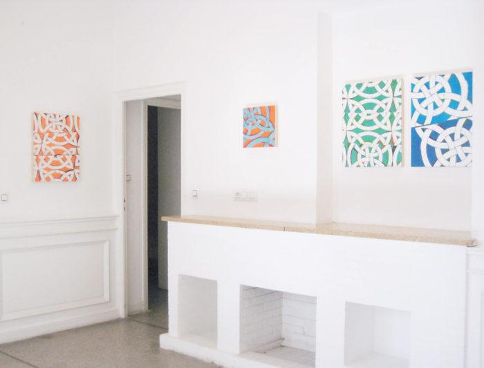 Vue de l'exposition de Margaret Lanzetta au Cube - independent art room à Rabat