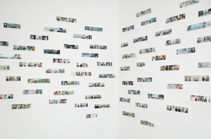 Nicole Schatt, vue de l'installation de ses tableaux-bande au Cube - independent art room au Maroc