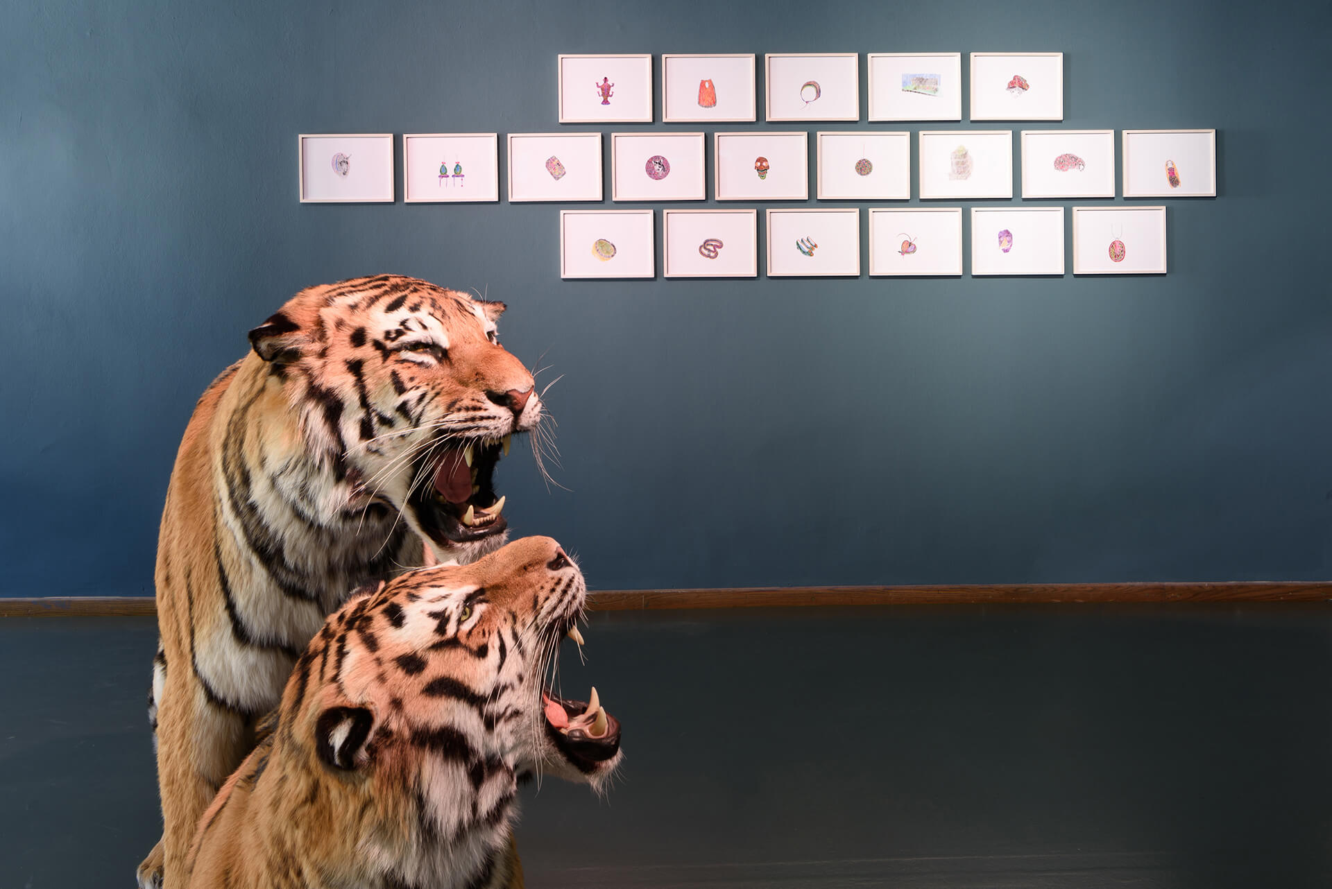 Gabriela Oberkofler, vue de l'installation Prekäre Leben, Volkskunstmuseum Innsbruck, Tiroler Landesmuseen, 2017