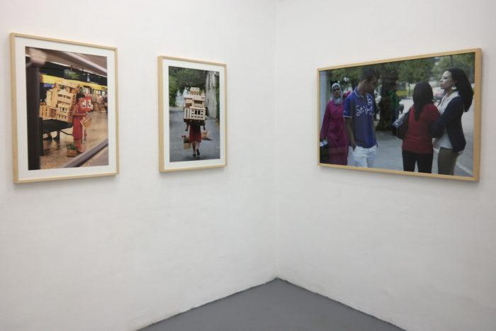 Exposition Noss Noss هويات.أدوار . أجناس / Geschlechter. Rollen. Identitäten. / Genre(s). Rôle(s). Identité(s)., vue des photographies de Gabriela Oberkofler et Randa Maroufi