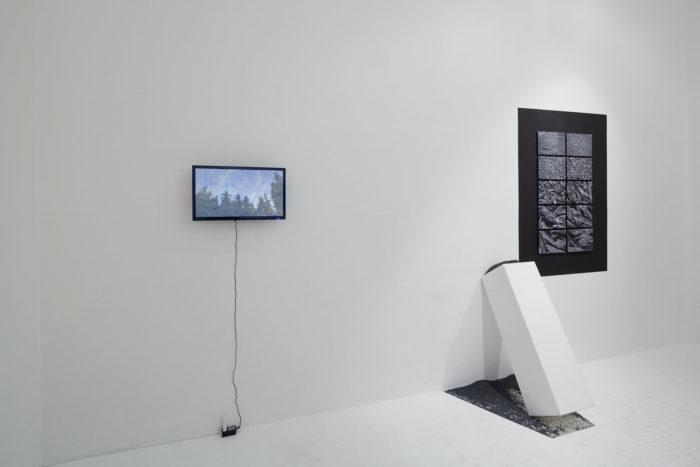 Attokoussy à Hinterland Galerie à Vienne, Autriche. Siegfried A. Fruhauf et Vooria Aria