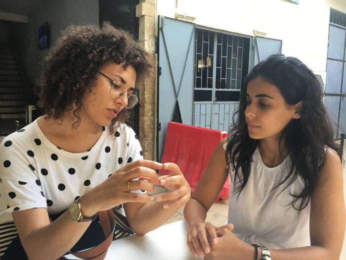 Hanane El Farissi et Marianne Fahmy, artistes, en résidence au Cube durant travelling narratives