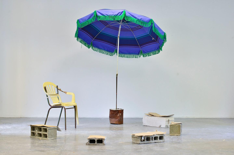 Marion Mounic, Teh le bled mixed média, 2017 Vue de l'exposition L'internationale, Haute école des arts du Rhin, Strasbourg, 2017 Crédit photo : Cyril Boixel