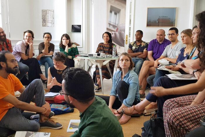 Table ronde avec Yvette Mutumba au Cube durant travelling narratives